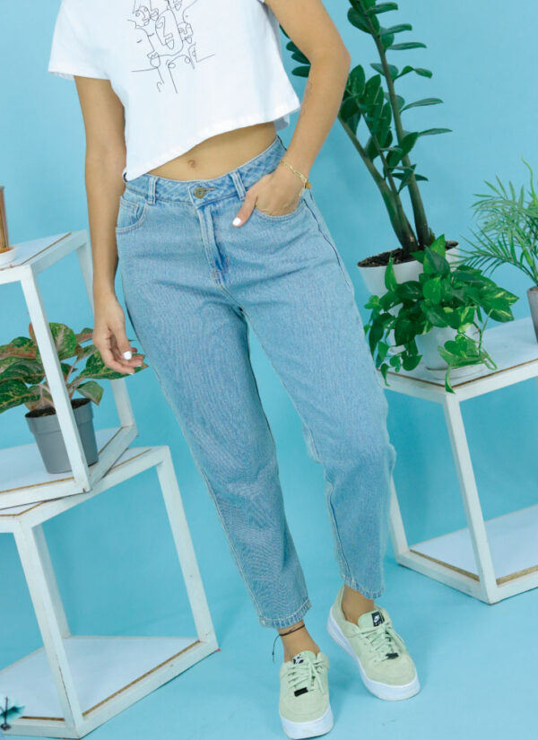 outfit-jeans-claros-plicata